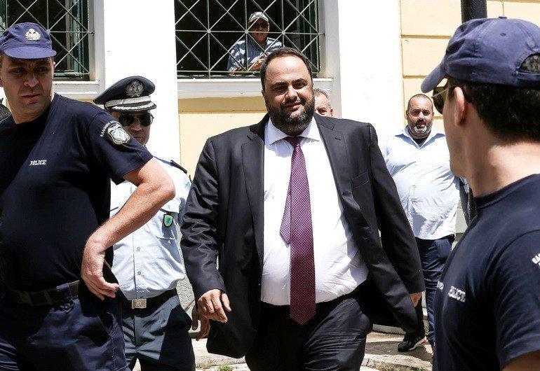 Хазяїн «Олімпіакоса» як мало який інший бізнесмен в Греції вміє домовлятися з владою