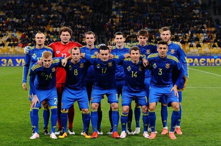 Члени збірної України прослухали лекцію УЄФА з приводу чистоти гри