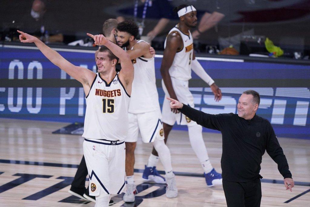 """""""Денвер"""" первым в истории НБА выиграл две серии плей-офф, уступая 1:3"""