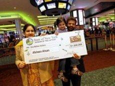 Двухлетняя девочка помогла своим родителям выиграть 1 млн долларов