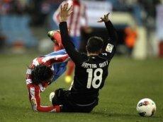 Эпизод матча «Атлетико Мадрид» — «Валенсия» в 22 туре Примеры 2011/2012