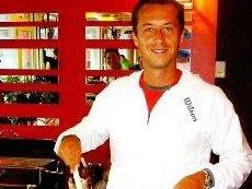 В Америке Кольшрайбер приготовил себе обед в теннисной столовой