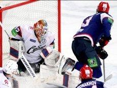 Эпизод матча между СКА и 'Сибирью'