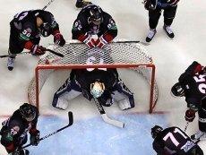 Хоккеисты 'Трактора' перед игрой