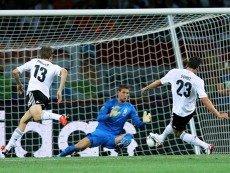 Германия не проиграет на выезде в Нидерландах, матч будет с голами, считает эксперт биржи ставок Betfair Кевин Хэтчард