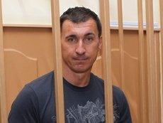 Олега Судакова уже продержали за решеткой 18 месяцев, однако обвинения не предъявили