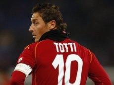 В этом сезоне в чемпионате страны Тотти забил 11 мячей в 27 матчах