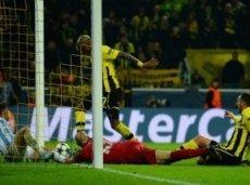 """Благодаря этому противоречивому голу Сантаны """"Боруссия"""" впервые за полтора десятилетия пробилась в полуфинал ЛЧ"""
