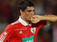 За голы португальской команды отвечает Оскар Кардосо