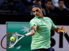 Федерер помучается в матче с Брандсом