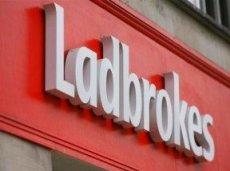 Во второй раз за последние несколько месяцев Ladbrokes и Дермот Десмонд заключают крупную сделку