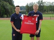 Озил удачно дебютирует в составе «Арсенала»