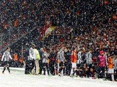 Туринский клуб сохранил шансы на победу в еврокубке, правда, не столь престижном