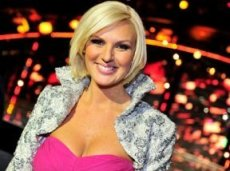 Популярная в Швеции Санна Нильсен выступит на конкурсе с песней «Undo»