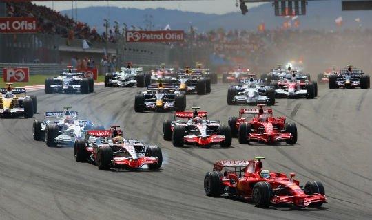 На результаты гонок «Ф-1» влияют множество факторов