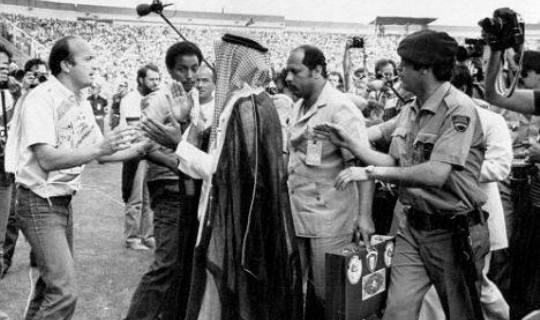 На ЧМ-82-м кувейтский шейх Фахад Аль Ахмед лично потребовал отменить гол французов, выйдя прямо на поле