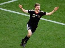 Мюллер выводит сборную Германии в плей-офф с первого места