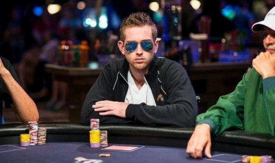 Худший бэдбит в истории покера на турнире за миллион долларов