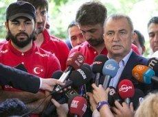 В прошлом году Фатих Терим в третий раз согласился возглавить сборную Турции