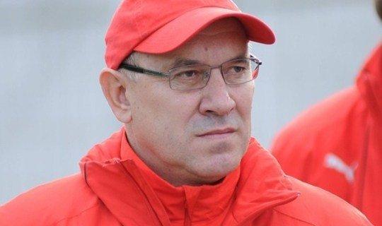 Перед началом отбора Кондратьев говорил, что его команде по силам занять второе место, но уже в первом туре сыграл вничью с Люксембургом