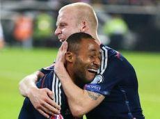 Радость шотландцев, сравнявших счет в матче с Германией