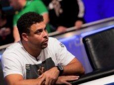Роналдо выиграл 42 тысячи долларов на покерном турнире