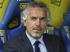 Роберто Донадони продолжает тренировать команду