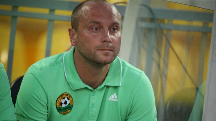 Дмитрий Хохлов не имеет сильных исполнителей