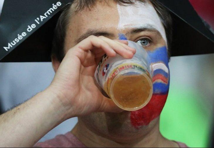 Прядкин: ведущие клубы РПЛ работают по вопросу разрешения пива на футболе
