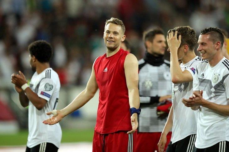 Мануэль Нойер - новый лидер по количеству сухих матчей за сборную Германии