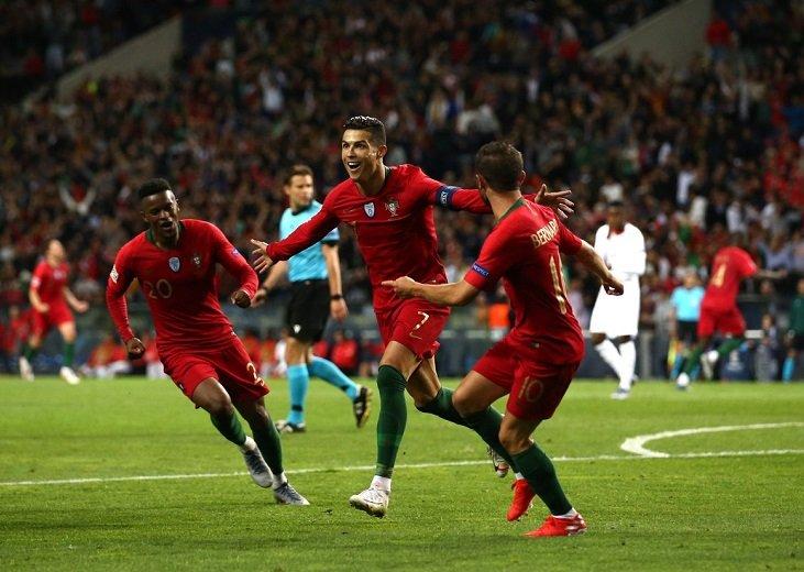 Хет-трик Криштиану Роналду помог Португалии обыграть Швейцарию в полуфинале Лиги наций