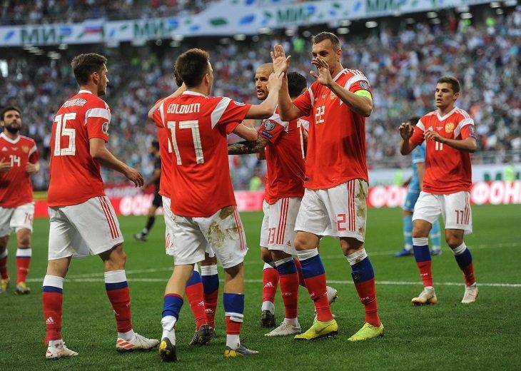 Удачный улов сборной России - 6 очков в играх с Сан-Марино и Кипром
