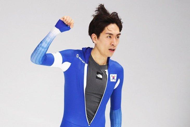 Конькобежный спорт. Двукратный олимпийский чемпион побил молодых партнеров по команде