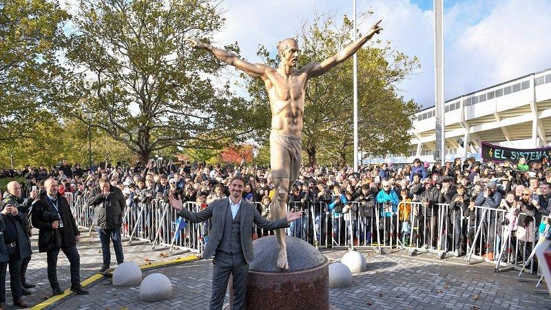 Статуя Ибрагимовича