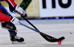 """Хоккей с мячом. """"Енисей"""" и """"СКА-Нефтяник"""" одержали разгромные победы"""