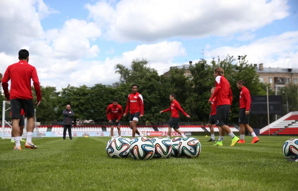 Власти Московской области разрешили столичным клубам тренироваться на своих базах