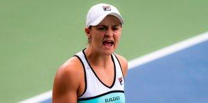 Александрова проиграла первой ракетке мира Барти в третьем круге Australian Open