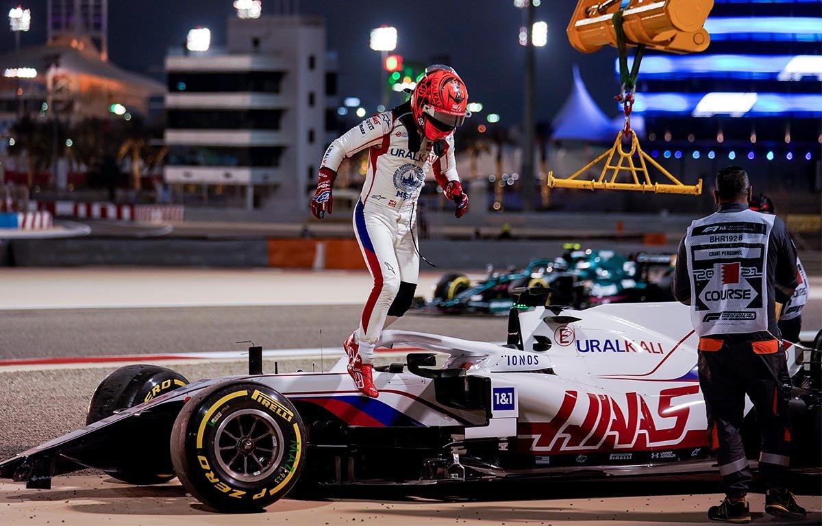 Сезон «Формулы-1» стартовал с негатива. Мазепин стал мемом, у комментатора Попова опустились руки