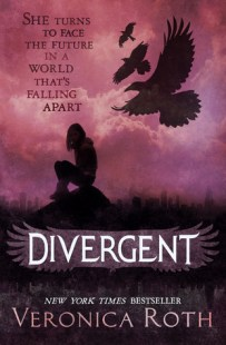 Divergent by Veronica Roth (Divergent #1) - Paperback