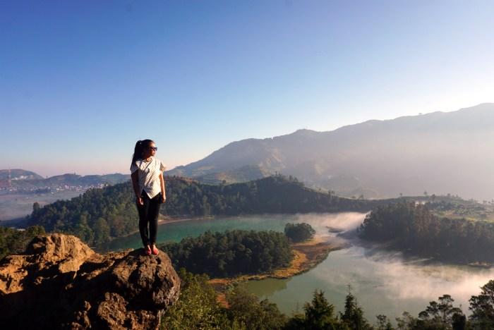 Pesona Wisata Dieng: Sunrise Bukit Sikunir dan Danau Telaga Warna