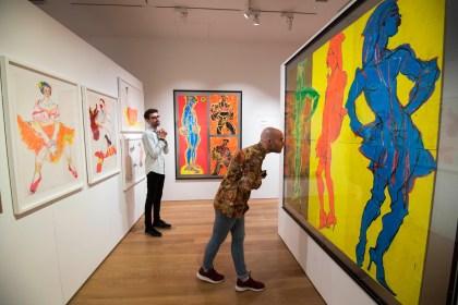Visit art galleries to be an artist