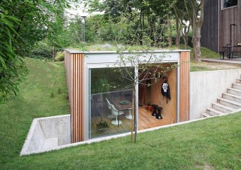 Backyard Studio in Uccle, Belgium by L'escaut Architects & Jenny Atelier