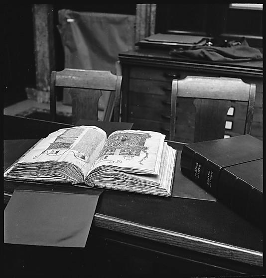 Walker Evans NYPL interior 2