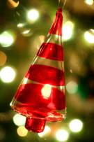 christmas-ornament-closeup-free-use