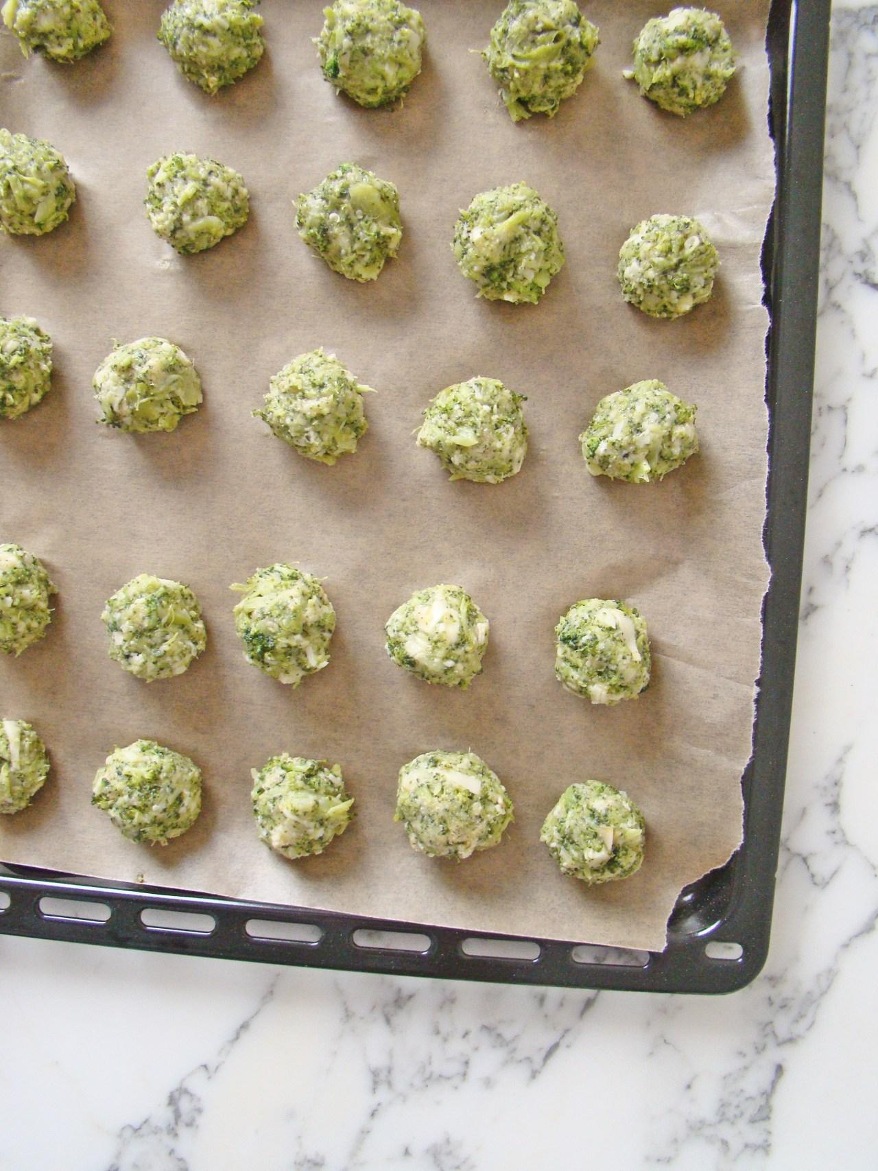 Healthy Baked Broccoli Bites