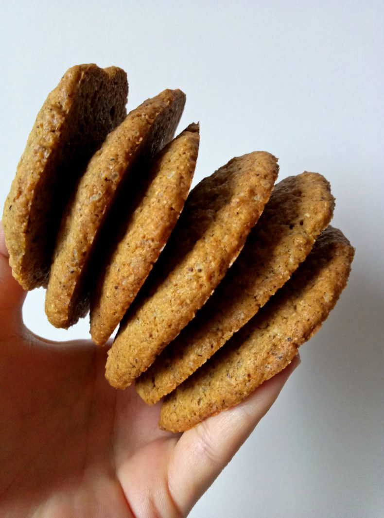 CARDAMOM SPICED GINGER COOKIES