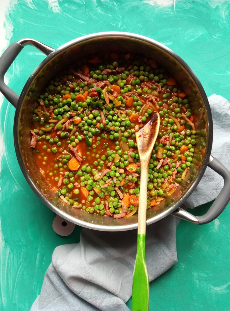 Fresh Peas and Snow Peas Stew with Bacon
