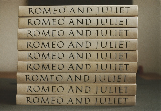 Romeo and Juliet, Allen Press, Spine (Deluxe Edition)