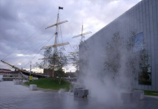 The Glenlee and the Riverside Museum
