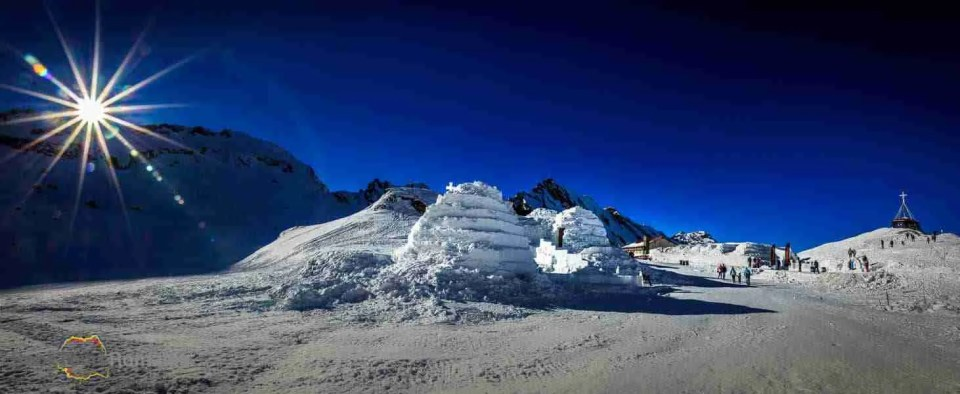 Hotel of Ice Balea Lake
